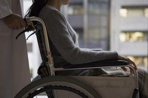 Doctor to push the wheelchair | Caring for a loved one after an accident